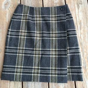 Banana Republic wool plaid skirt