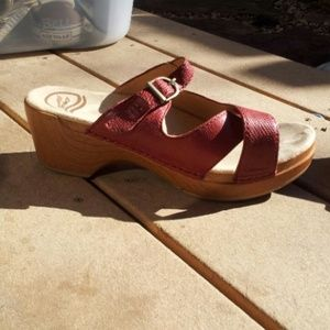 LIKE NEW Dansko Red Snakeskin Sandals