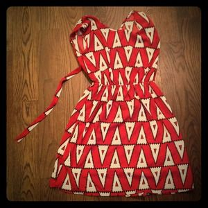 Dresses & Skirts - Open-back new red patterned dress