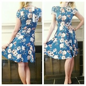 Dorothy Perkins vintage-inspired dress