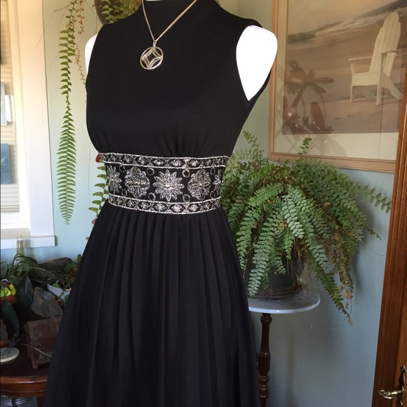 Vintage - Beautiful Vintage Dress from Klutter keeper&-39-s closet on ...