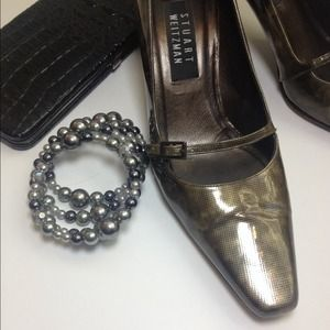 Stuart Weitzman Shoes - Stuart Weitzman Olive Leather Heels