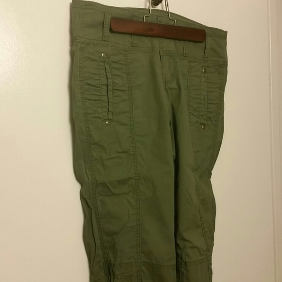 Used Army Green Capri Pants for sale in Holland - Army Green Capri Pants posted by NK in Holland. Army Green Capri Pants. Size 6. Smoke free home. $5 - letgo.