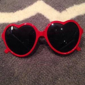  Red heart sunglasses