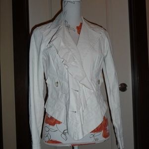 CAbi ruffle up linen blazer. Size small.