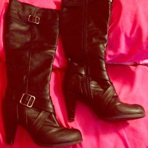 Black leather tall boots with small heel