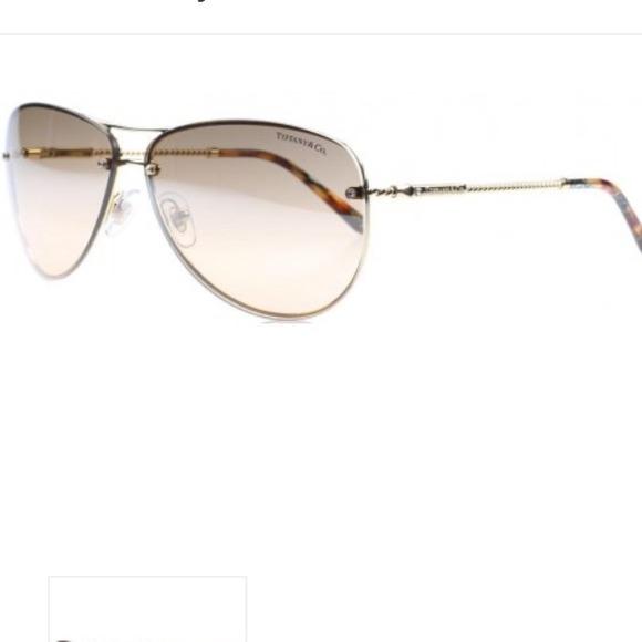 4d8df69c3e Tiffany   Co aviator sunglasses. M 54c584ec6474b96eb11c16da