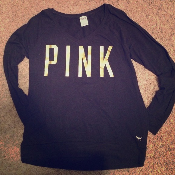 94b775588a PINK brand long sleeve black and gold shirt