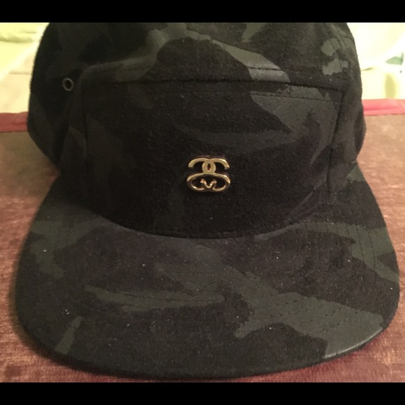 ... Stussy suede black camo hat. M 54c5b9c994c7de0b95210219 2993b630ec06