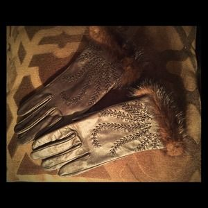 Brown leather & mink silk lined gloves size 6 1/2