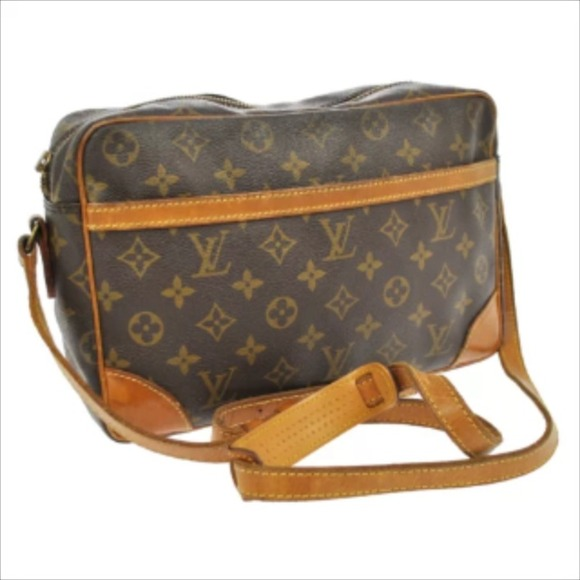 Louis Vuitton Handbags - Vintage Louis Vuitton Trocadero 27 2351a9f0bb117