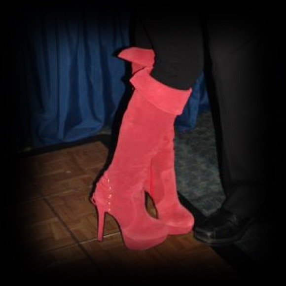 33bedf5e634 Tall red leather boots sz 7, Gabriella Rocha