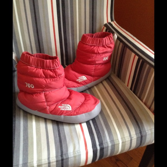 North Face tent bootie II- fits 8-9.5. Worn once. & The North Face - North Face tent bootie II- fits 8-9.5. Worn once ...