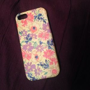 iPhone 5 floral case