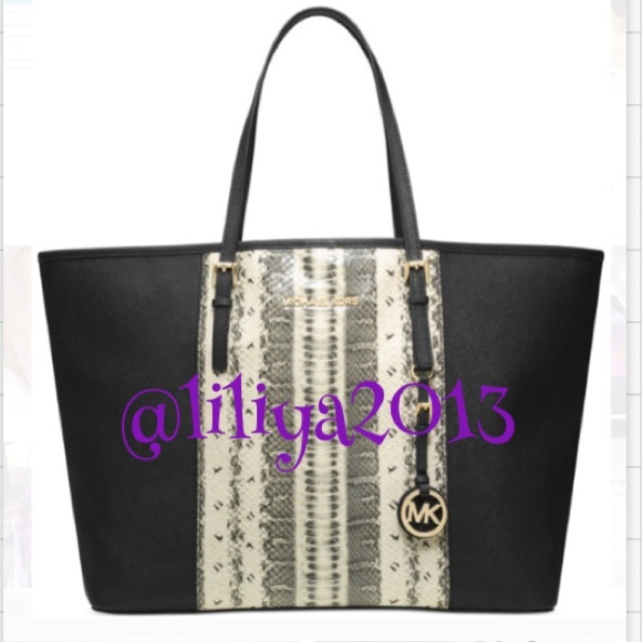 af2d2954e5 Black Snake print tote handbag