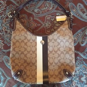 Coach Heritage hobo style bag excellent condition
