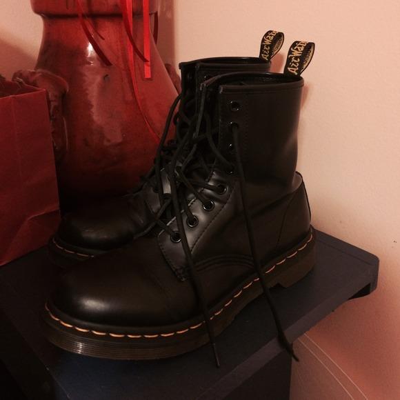 Airwalk Shoes   Black Doc Marten Combat