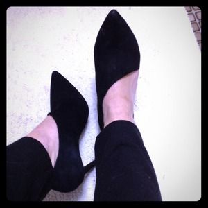 Jessica Simpson black suede asymmetrical pumps