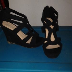 Black velvet wedge 7.5