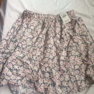 Floral flowy skirt!