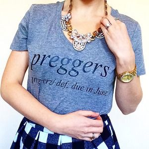 Preggers Mommy Definition Due Date Graphic Tee