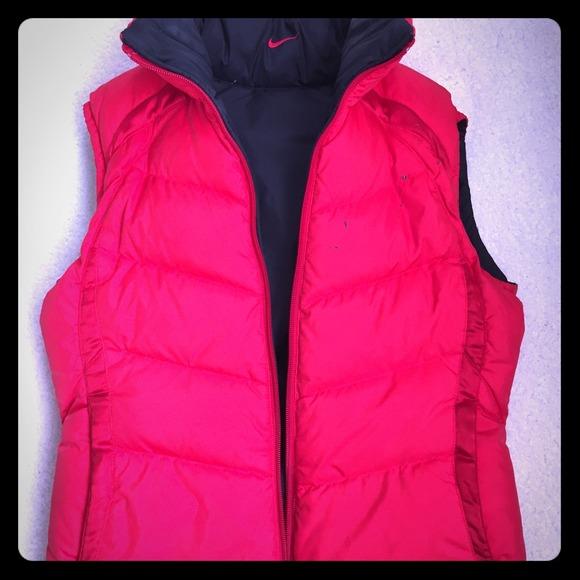 ecdc9ad733d6 REVERSIBLE Nike down puffy vest ‼ . M 54c7fb260f6eb20559024c6f