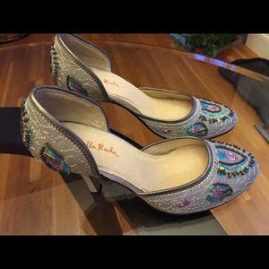 Gabriella Rocha  Shoes - Silk pump with embroideries