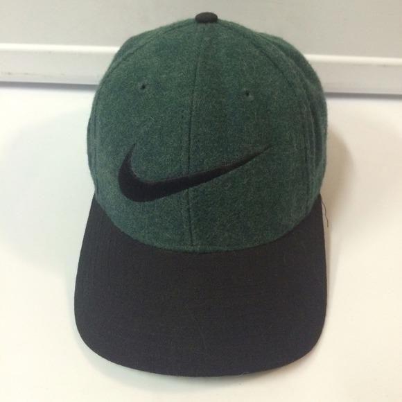 Vintage Nike SnapBack Baseball Hat. M 54c86a1ff71a8613c002dfe8 d38883c53ff