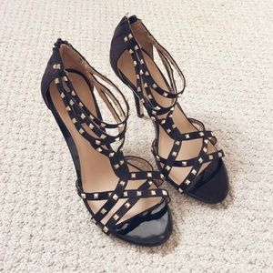 STUDDED FOREVER 21 HEELS Size 6