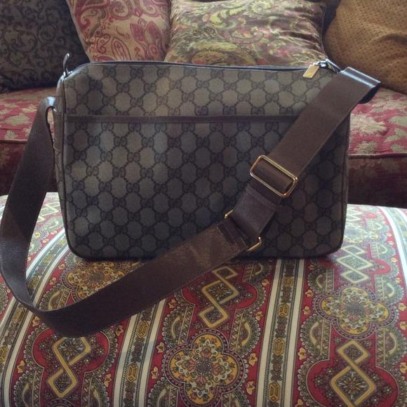 31636fba6aa Gucci Handbags - Authentic vintage Gucci messenger bag