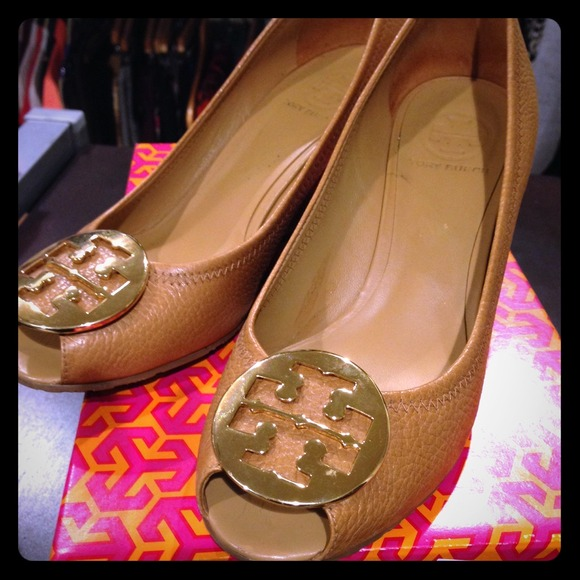 9d9a07b2430c ️Tory Burch Sally 2 Peep Toe Wedge in Tan. M 54c95ed0b1760d055c022772