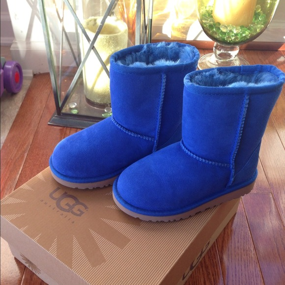 Ugg kid size 10 electric blue