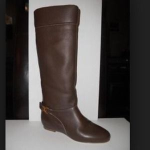 Chloe Renna Brown pebble leather boots