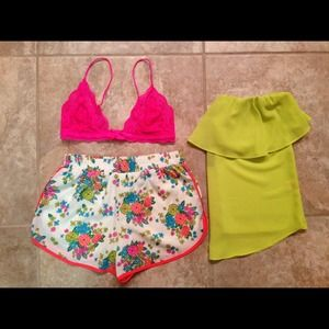 Tops - BUNDLE Bralette&Shorts