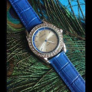 Croton Accessories - 💙Beautiful Blue/Silver Leather Watch💙