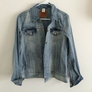 Levis trucker denim jacket size M