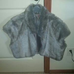 Jackets & Blazers - Gray vest faux fur