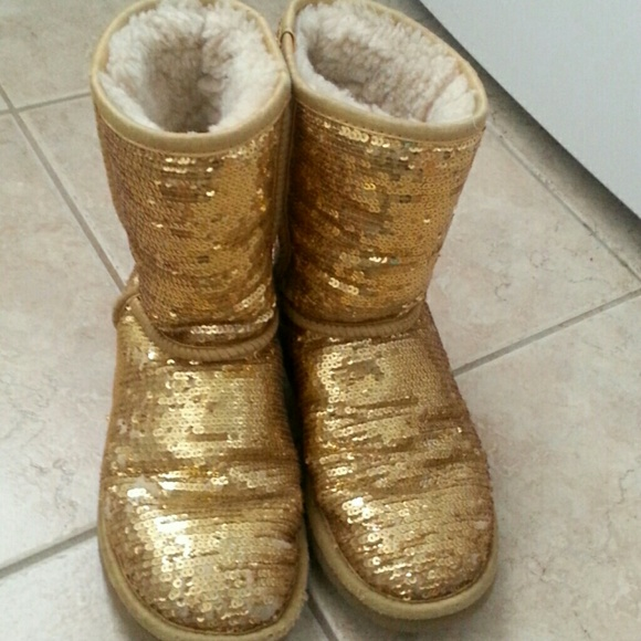 Gold Sequin Ugg Boots Being Traded*,gold Sequin Ugg