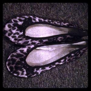 Gray & black leopard print flats