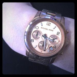 Michael Kors Jewelry - Michael Kors rose gold runway watch