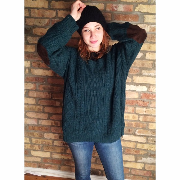 SOLD SOLD SOLD Oversize Forest Green Knit Sweater