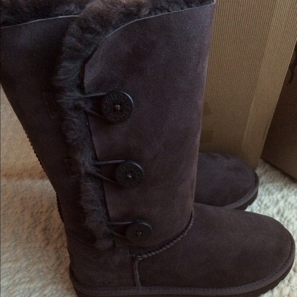 ugg bailey button triplet boots chocolate