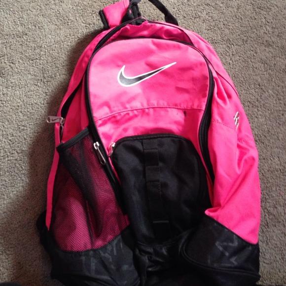 855c1df833 Pink   Black Nike Backpack. M 54cbafcdbb27a471620533fb