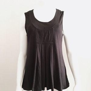 Kenar Tops - Kenar Black Pleated Sleeveless Top
