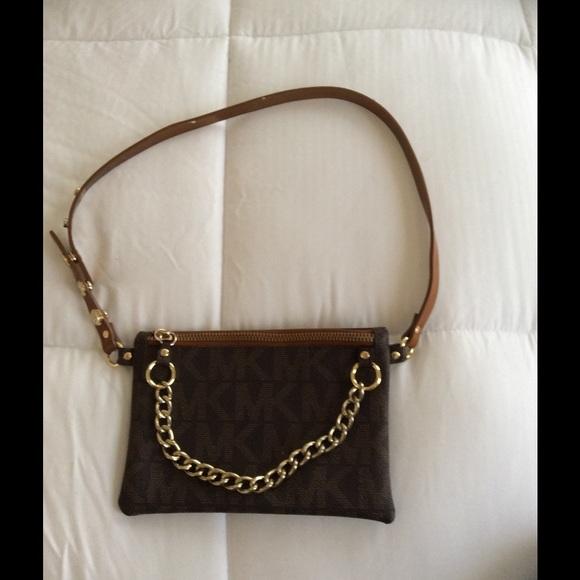 MICHAEL Michael Kors MK Logo Leather Belt Bag Belt.  M 54cbd2a54d923306a800144c 2adccc942f9d5
