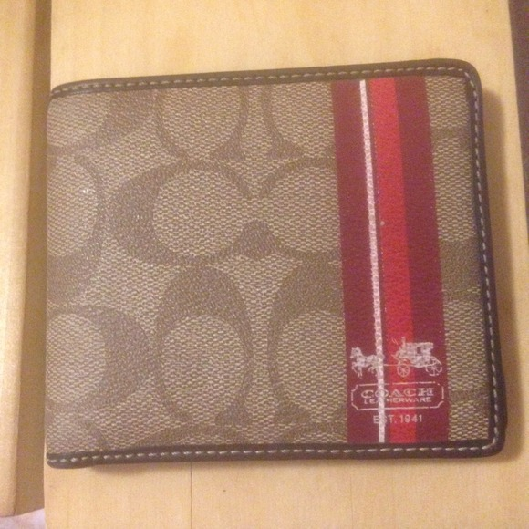 eaa4a9bd2b7e men s coach wallet