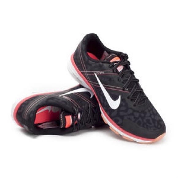 best service ea9cc 260bc Sale Nike Training Dual Fusion Leopard Hyperpunch.  M 54cc1ae24d923306a8004be2