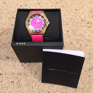 MARC JACOBS BRIGHT PINK ROSE GOLD