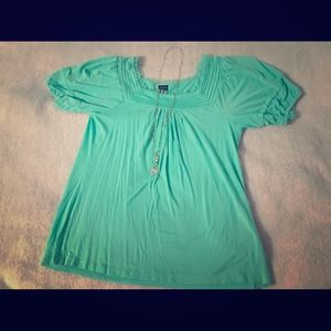 Beautiful mint Nicole Miller top