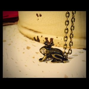 Little frog necklace